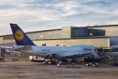 Lufthansa-747-Philadelphia